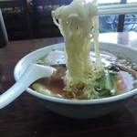 五芳斉 - ワンタンメンデラックスの麺