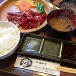 101311550 - ロース・カルビ定食 1,080円