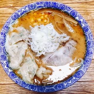 冬の一押し❗️メニュー✨【味噌ワンタン麺650円】