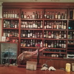 monpa - 100種類以上のウイスキーがあります。