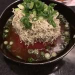 近江牛と有機野菜の呑処 ひだまり - トマトととろろ昆布