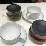 なかがわ - ◆マイレビ様は「レモングラス×釜炒り茶」、私は「ラベンダー紅茶」を。 ラベンダーの香りがほんのりするような気がします。(^^;)