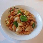 香港園 - 鶏肉カシューナッツ炒め(3,465円ランチコース)