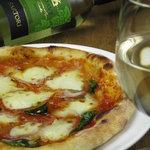 ピアンタ - マルゲリータピザ