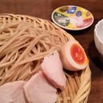 麺道はなもこし - 料理写真:濃厚鶏つけそば。麺が美味しい。