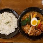 101332799 - チキンと野菜たっぷり(1200円)です。