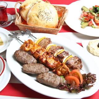 トルコ料理の魅力がたっぷり詰まったオトクなコース3500円〜
