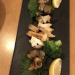 海鮮鉄板 やまおか食堂 - 白バイ貝