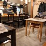 海鮮鉄板 やまおか食堂 - 店内