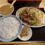 山翠 - レバー野菜炒め定食¥780
