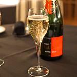レストラン アロム - Champagne Herve Malraud Extra Brut