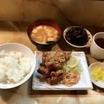 いろり - ランチ@500円(鶏の唐揚げ、ひじき、味噌汁)