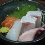 まるさん松本 - 定食の標準セット(お造り)