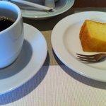 ポンムドテール - コーヒーとプチケーキ