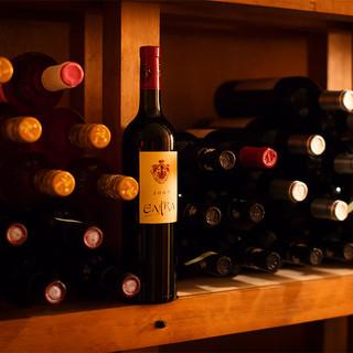 常時『200種以上』のワインをご用意。