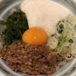 手打ち 寿々キ - 料理写真:納豆蕎麦  とろろトッピング
