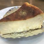 河口湖チーズケーキガーデン - バスクのチーズケーキ 500円