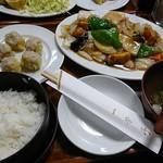 101367474 - 野菜たっぷりの酢豚定食~(人´3`*)~♪