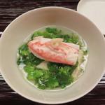 101371618 - 松葉蟹と菜の花の餡かけ
