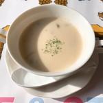 レストラン ボルドー - ハマグリのクリームスープ
