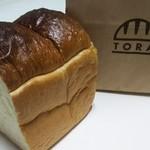 101377875 - パンのトラ0.5本(保水率85%らしい)