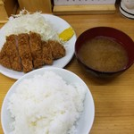 101379432 - 上ロースかつ定食 (1,100円)