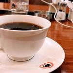 UCCカフェプラザ - 本日のおすすめ 有機珈琲 喫煙可。電源あり。今月閉店の掲示がありました。