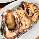 Bar Salu - 焼き牡蠣3種