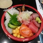 独楽寿司 - 料理写真:よくばり丼648円