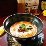 杏亭 - 汁有り坦々麺750円