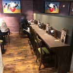 米麺食堂 - 店内カウンター席