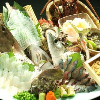 生け簀の新鮮食材を、ご要望に合わせて調理しご提供いたします