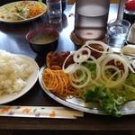 レストハウスポプラ - からあげ定食
