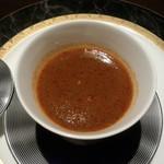鮨 肉 酒肴 志 - えび出汁のブイヤベース トマトとチーズの茶碗蒸し