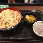 丸亀製麺 - ざるうどん290円+ゆかりおむすび140円