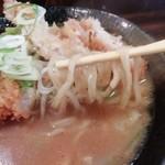 101427336 - 味噌には太麺でしょう。