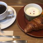 101430149 - コーヒー(450円)+モーニングプレート(200円)