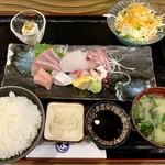 まるよし食堂 - ランチ・お刺身定食 1380円