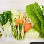 ジンギスカン 七福 - 野菜盛り合わせ