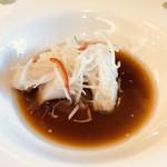 101449878 - 白身魚を魚醤で煮たもの。このタレをお粥に入れるとおいしいですね(о´∀`о)