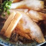 鶴亀 - 料理写真:ラーメン750円税込、チャーシュートッピング220円税込