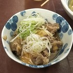 101458797 - 黒百合おでん(すじ肉煮込み(両方掛け) 450円) ♪