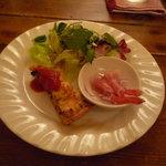10146142 - グリーンサラダ、エビのカルパッチョ、キッシュ