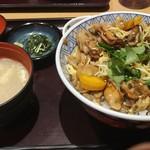 101460496 - 牡蠣しぐれ煮丼 950円