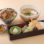 鎌倉 里のうどん - ハーフ鎌倉野菜天うどんと半バラ丼セット