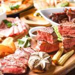 3種類の肉の味がしっかり楽しめる『豪華肉盛りプレート(鶏・牛・豚)』