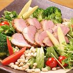 畑舎 - 合鴨ロースのシーザーサラダ