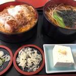 八大黒そば - 料理写真: