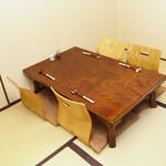 すしお料理処まつやま - テーブル_4名席3