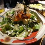 鶏屋 ぜんろく - ・豆腐とキムチのサラダ